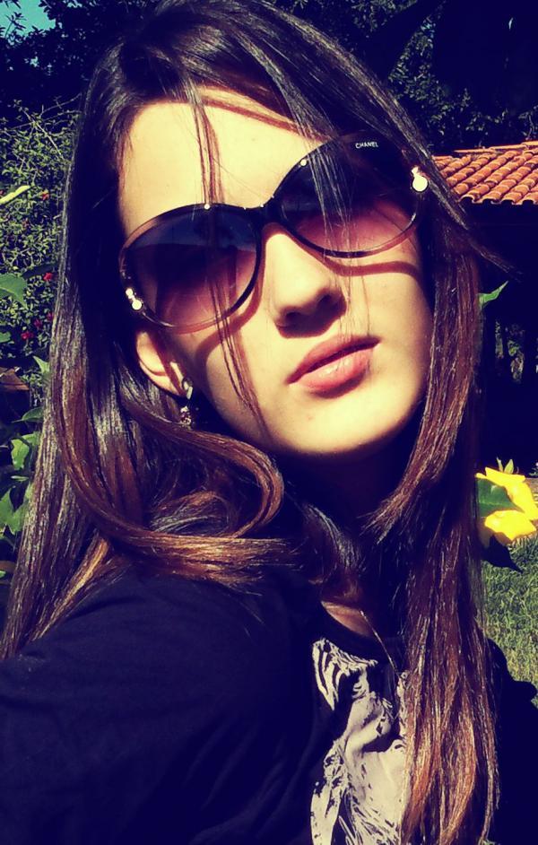Site de 15 anos, Camila